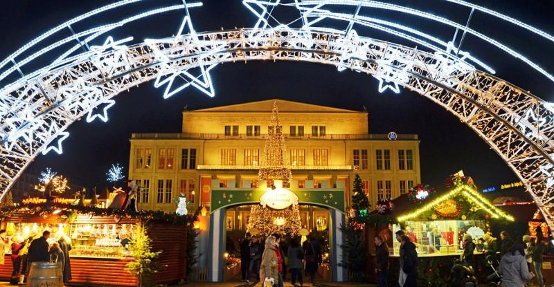 leipziger_weihnachtsmarkt___eingang_zum_maerchenwald___foto_andreas_schmidt_16982