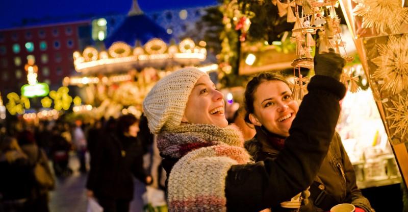 weihnachtsmarkt_leipzig_adventsschmuck_dirkbrzoska__61__10693