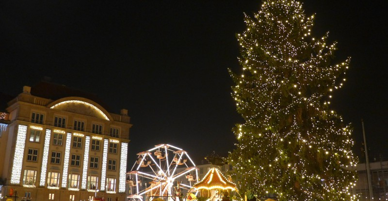 christmas-market-612706_1920