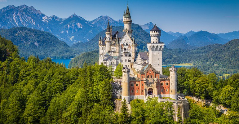 S_Explore Europe Travel Neuschwanstein (2)