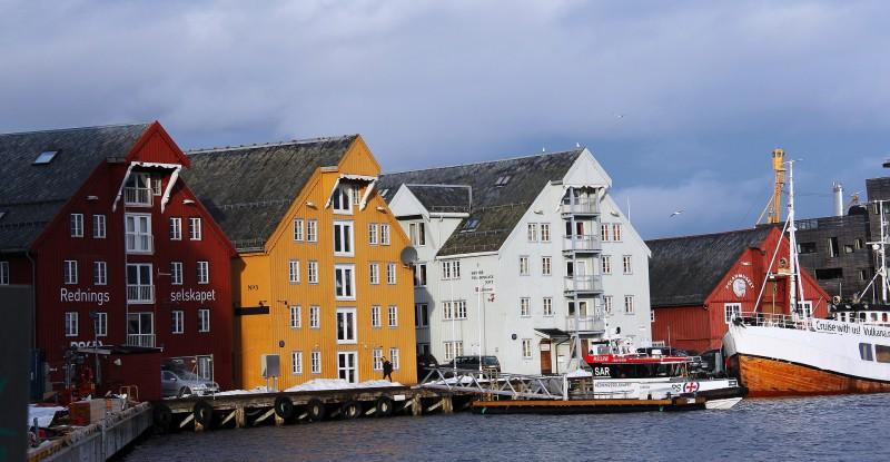 norwegian-house-1180323_1920