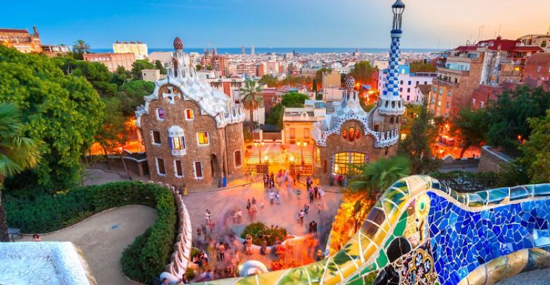 Explore Europe Barcelona s 1