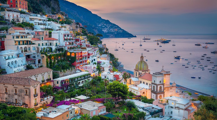 2021 Departure Stuttgart Airport: Naples, Pompeii & the Amalfi Coast by air