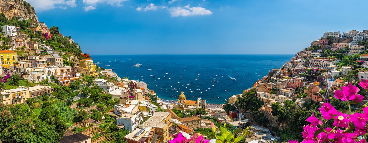 Departure Nuremberg Airport: Naples, Pompeii & the Amalfi Coast by air