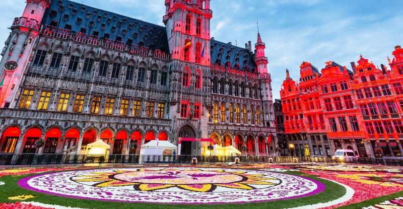 Let's experience … European Festivals!
