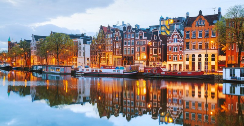 Explore Europe Amsterdam s 8