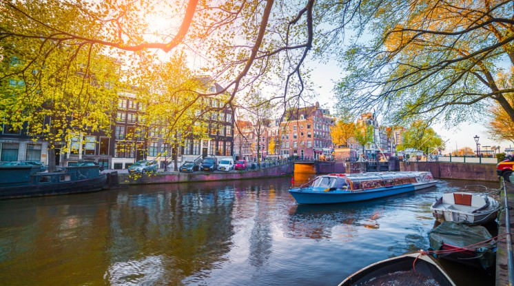 Departure Graf: Amsterdam Express (incl. City Canal Cruise)