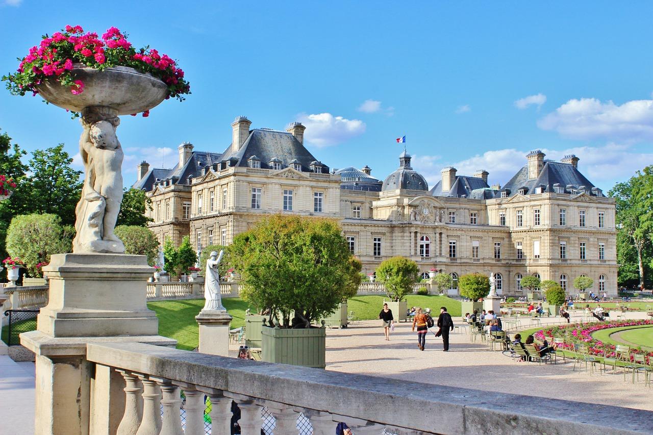 paris-341087_1280