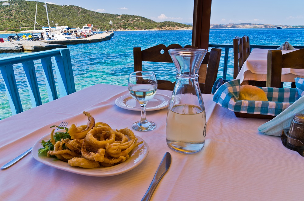 Lunch with a view in Poros