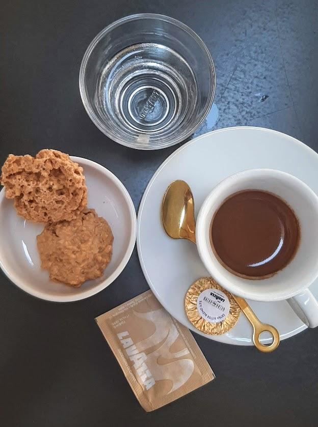 Lavazza coffee bar - Piazza S. Fedele, 2, 20121 Milano MI, Italy